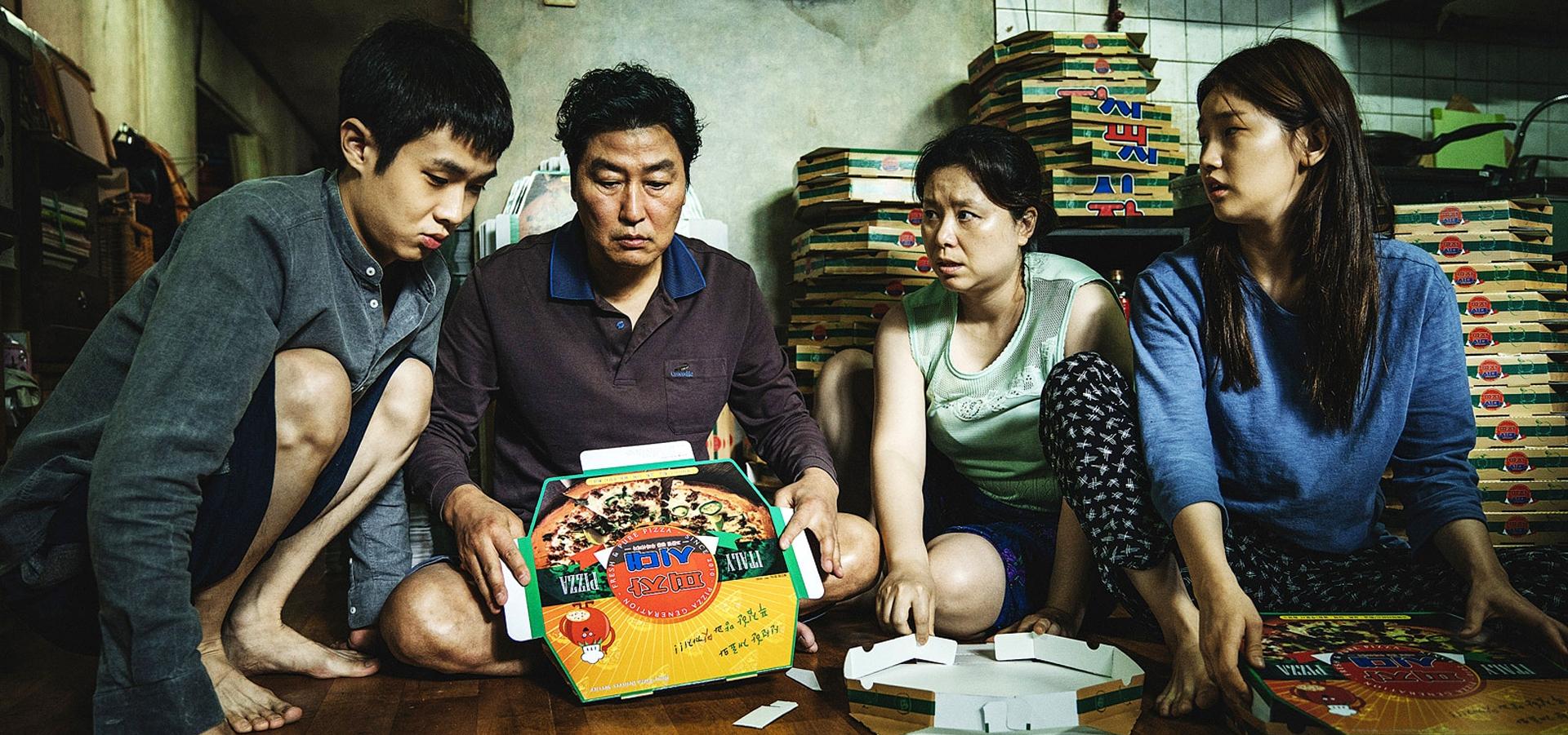 parasite-family-foldingpizzaboxes